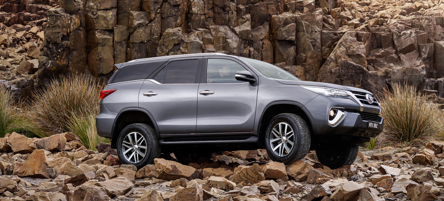 Fortuner-Shot-3-Rocks-V4